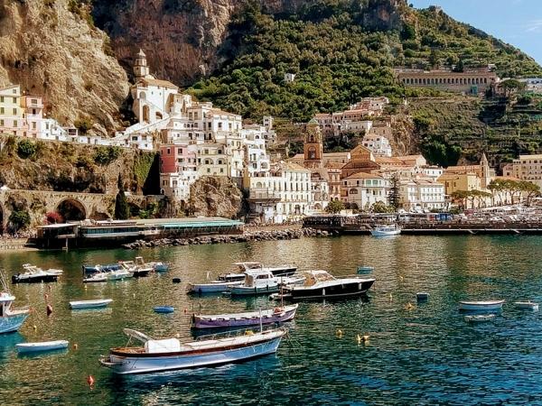 The Mini Heaven That Fits Your Budget- Italy's Amalfi Coast