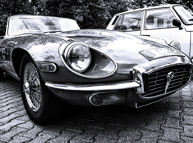 Classic Cars of the Future – The Time To Buy Is Now!